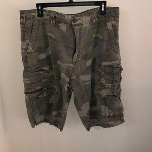 Plugg men's camo cargo shorts